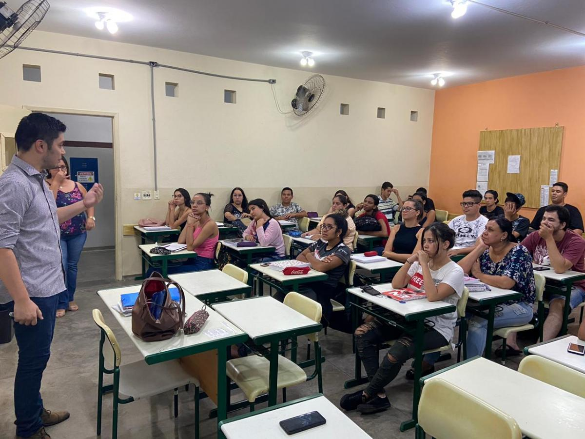 Mini palestra com profissional da area de Marketing