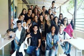 Alunos do 1º ano participam de um Café Sociológico...